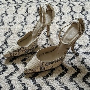 Colin Stuart faux snakeskin pumps